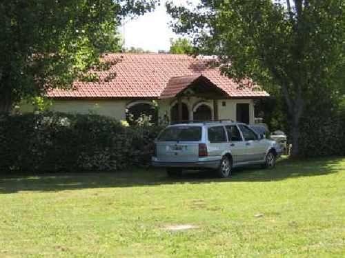 Casa en club de campo bario cerrado country sistema americano