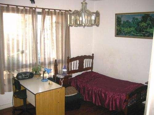 Departamento de familia con varias habitaciones para estudiantes