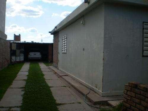 Casa de barrio en san luis con ampliacion