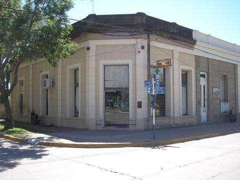 Fotos de Venta de fondo de comercio farmacia y alquiler local comercial 2