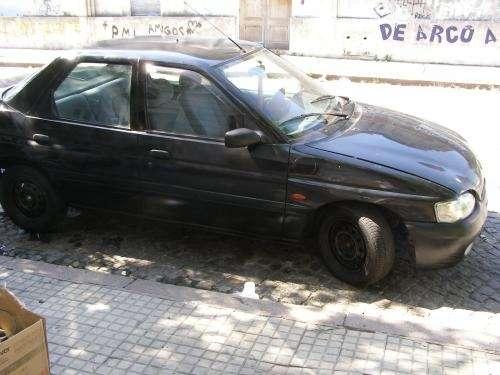 Fotos de Vendo urgente ford escort disel 1999 c/a 2