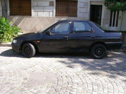 Fotos de Vendo urgente ford escort disel 1999 c/a 1