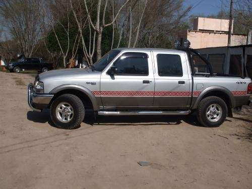 Vendo camioneta ford ranger modelo 2004 fullll 4x4