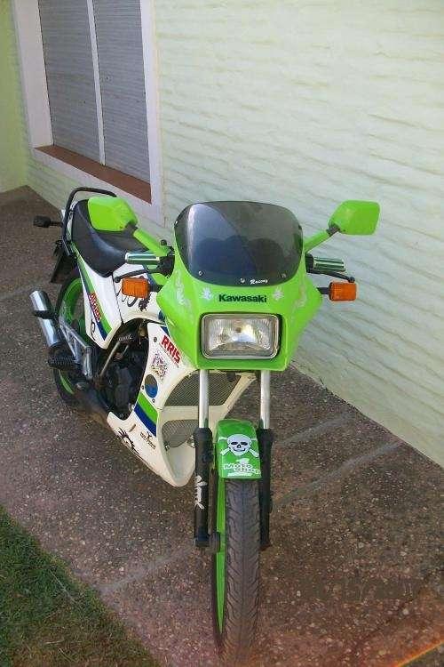 Vendo : moto pistera kawasaki en exelente estado a $7.800