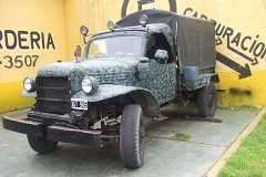 Jeepon dodge 4x4 segunda guerra muy bueno permuto