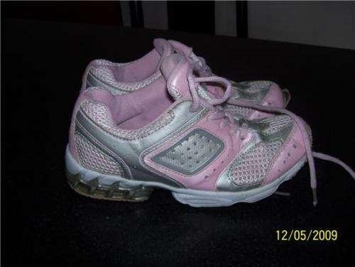 "Fotos de Zapatillas nena marca""bubble gummers""caps. aire liquido ya$50 2"
