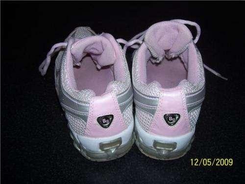 "Fotos de Zapatillas nena marca""bubble gummers""caps. aire liquido ya$50 3"