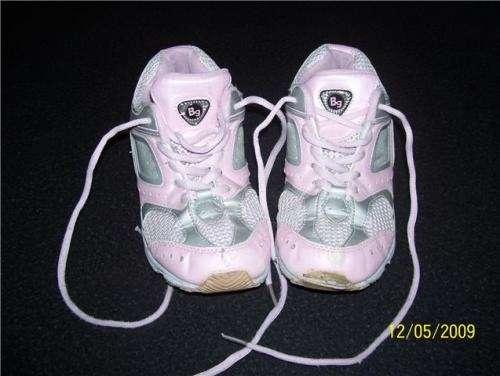 """Zapatillas nena marca""""bubble gummers""""caps. aire liquido ya$50"""
