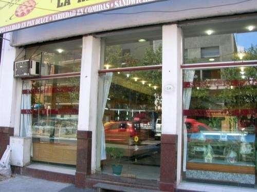 Dfpropiedades vende panadería en la boca