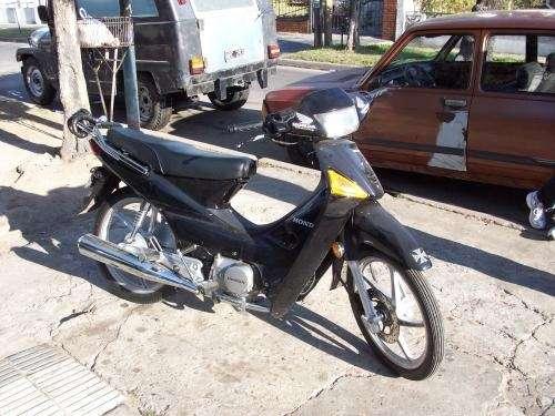 Honda wave negra full con 5000km