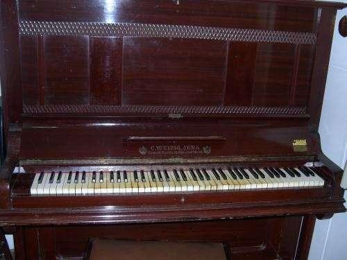 """Piano vertical aleman """"c. weidig, jena""""... 85 teclas..."""