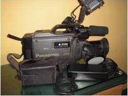 Filmadora panasonic m-9000 con luz de camara portatil
