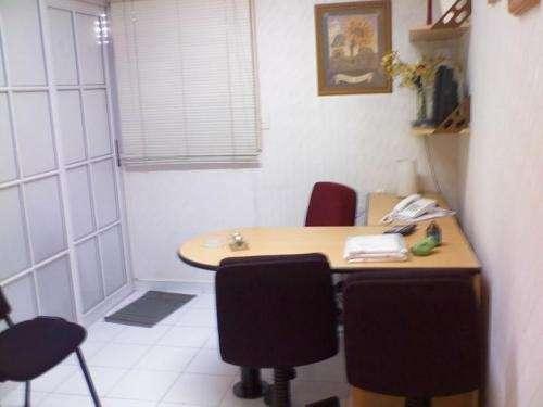 Alquiler oficina 30m2 div. cfte muy/lum $ 950 amobl-equipada