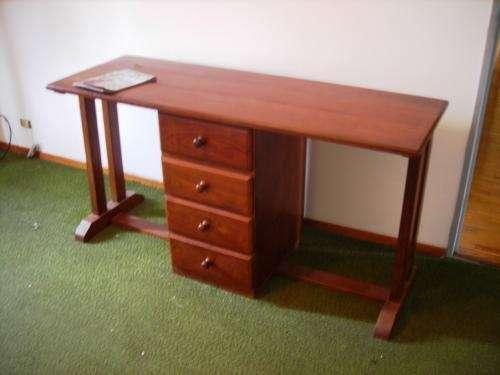 Vendo sillon y escritorio