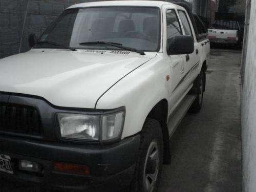 Toyota hilux 3.0dx- d/c-4x4-año 2003
