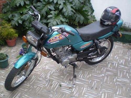 Vendo moto honda cg titan 125 1999