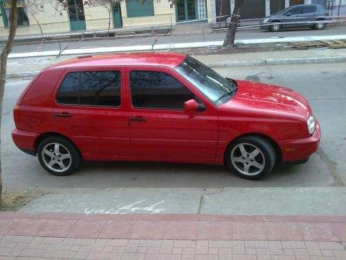 Vendo golf mod 99 nafta full 1.8 mi