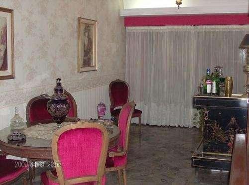 Dueña vende excelente piso s/ expensas c/ascensor