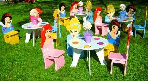 Living kids alquiler de livings para chicos mesas y sillas de todos los personajes ambientaciones tematicas centros de mesas globos metalizados tematicos