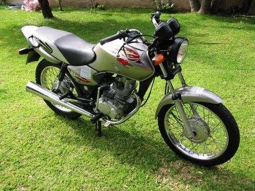 Vendo moto honda cg 125.