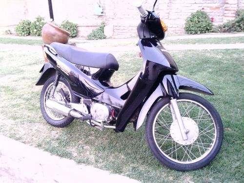 Vendo moto honda biz 100cc.