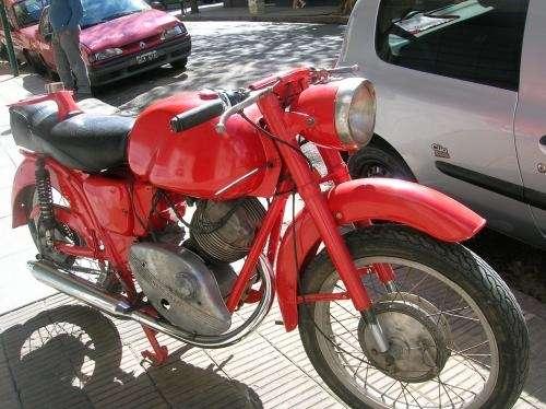 Moto guzzi 235cc. lodola año 64 c/pap. p/teminar de restaurar