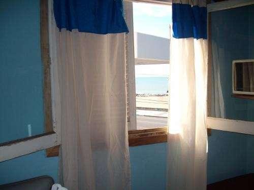 Alquilo departamento frente al mar.