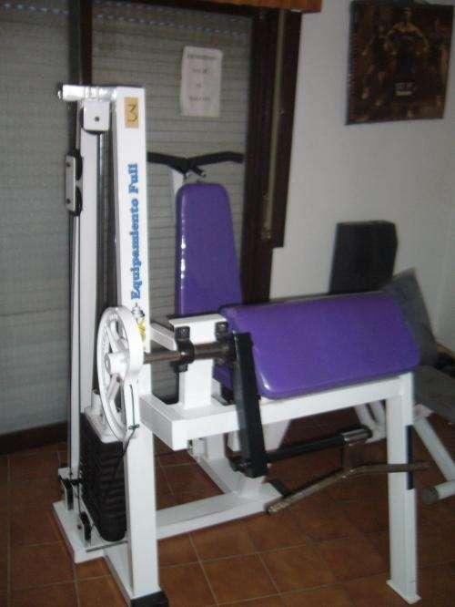 Gimnasio vende 4 maquinas de musculacion