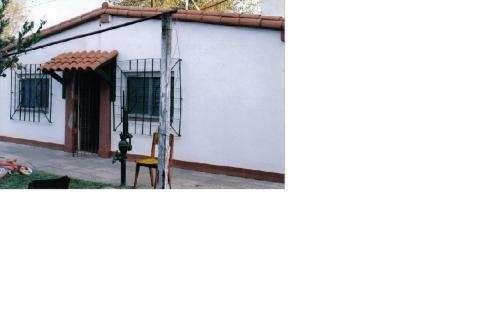 Casa de tres ambientes en pilar.