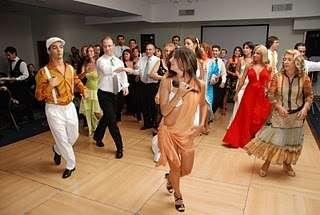 Show de: reggaetón, salsa, brasilero, árabe, tango, para fiestas.
