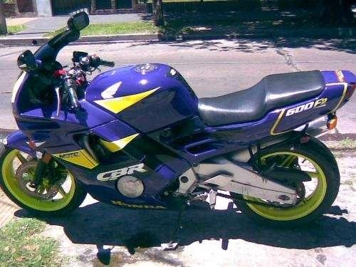 Fotos de Vendo moto honda cbr 600 1