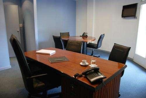Oficinas temporales y puestos de trabajo