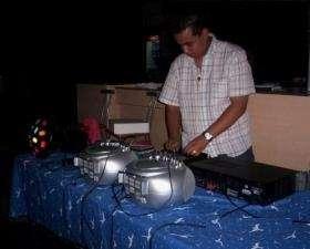Disc jockey para fiestas de bautismos, comuniones, cumpleaños mix. 4755-2355