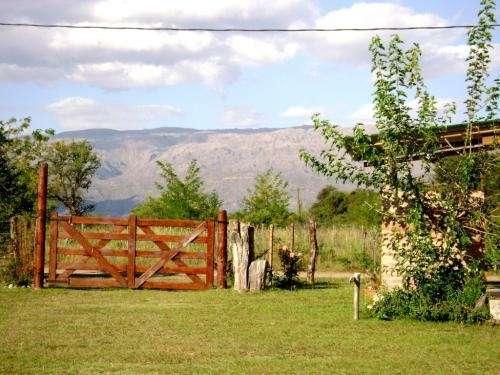 Nono mina clavero alquiler 3 casas cabañas pileta parque -vista