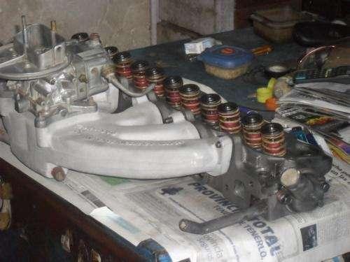 Vendo tapa de cilindros de ford falcon max econo con multiple de admision de sprint con carburador