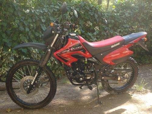 Dueño vende motomel xplora 250cc nueva
