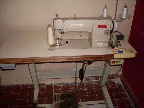 Vendo maquina de coser recta y remalladora 5 hilos.