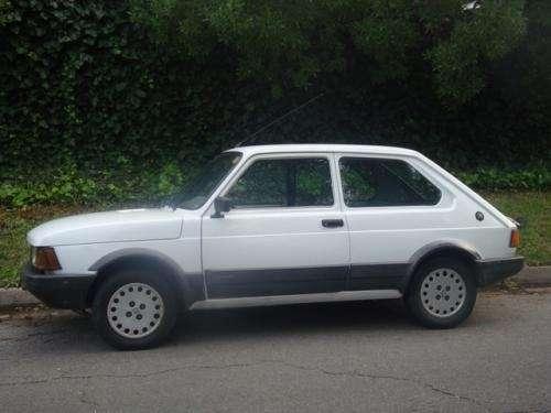 Vendo fiat spazio tr c/gnc 2º dueño modelo 1994 el auto esta bueno, bien de papeles de mecanica y motor, tiene gnc y vtv actualizada escucho oferta razonable.