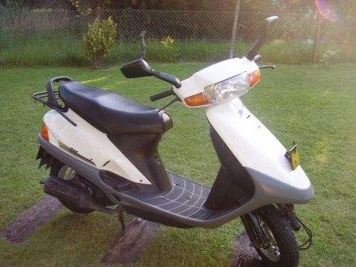Vendo moto honda marvel 100 cc excelente estado