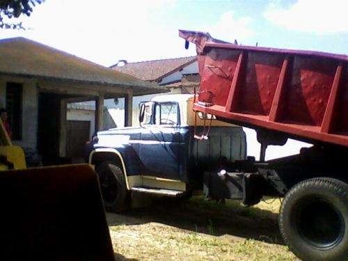 Fotos de Vendo camión volcador 2