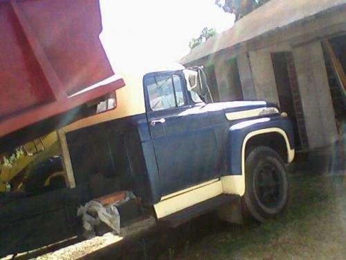 Fotos de Vendo camión volcador 3