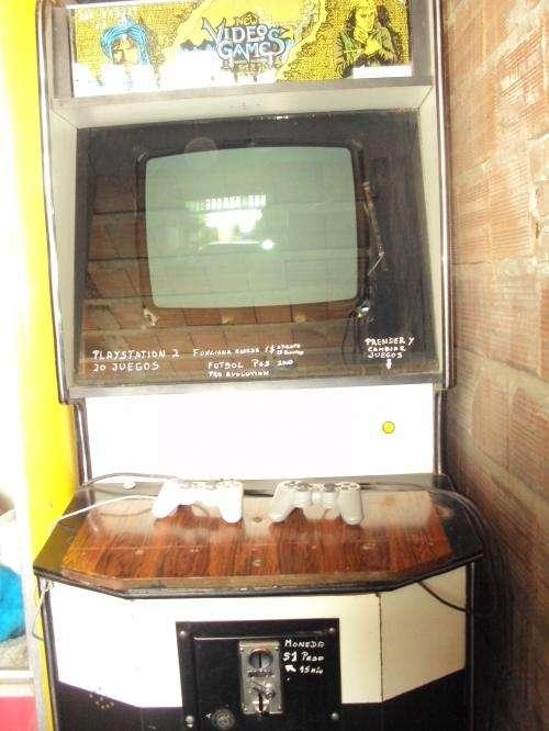 Video juegos playstation en maquina de pie a moneda $1