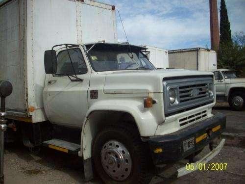 Camion chevrolet 714 mod 76 chasis con cabina caja furgon larga