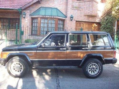Vendo jeep cherokee 86 wagoneer, de colección