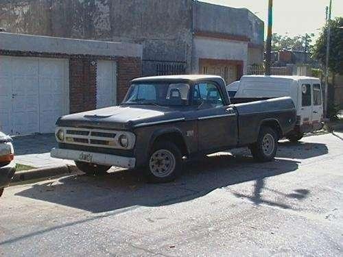 Dodge 100 titular
