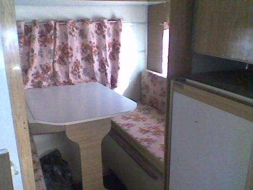 Confecciòn de colchonetas y cortinas para casa rodante