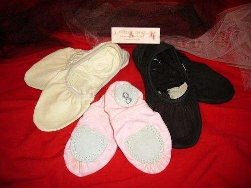 Fabricacion y venta de zapatillas 1/2 punta...es lo que estas buscando no???