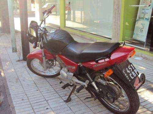 Vendo o permuto moto honda esd cg 150 cc