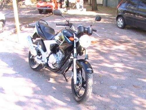 Vendo moto yamaha ybr 250
