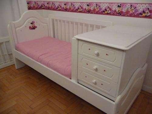 Vendo cuna funcional nueva muebles opus con colchon 1200